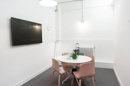 Clean & Clear Focus Room