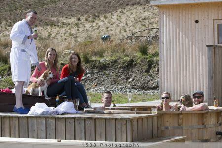 Carrick Castle Estate, Lodge & Barn Hot tub ideal for large groups