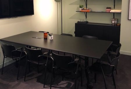 Private Sunny Meeting Space