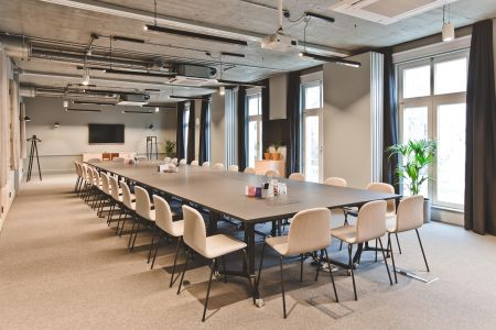 Versatile Off-site Conference Room