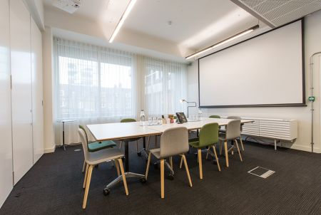 Workspace Rental with Projector
