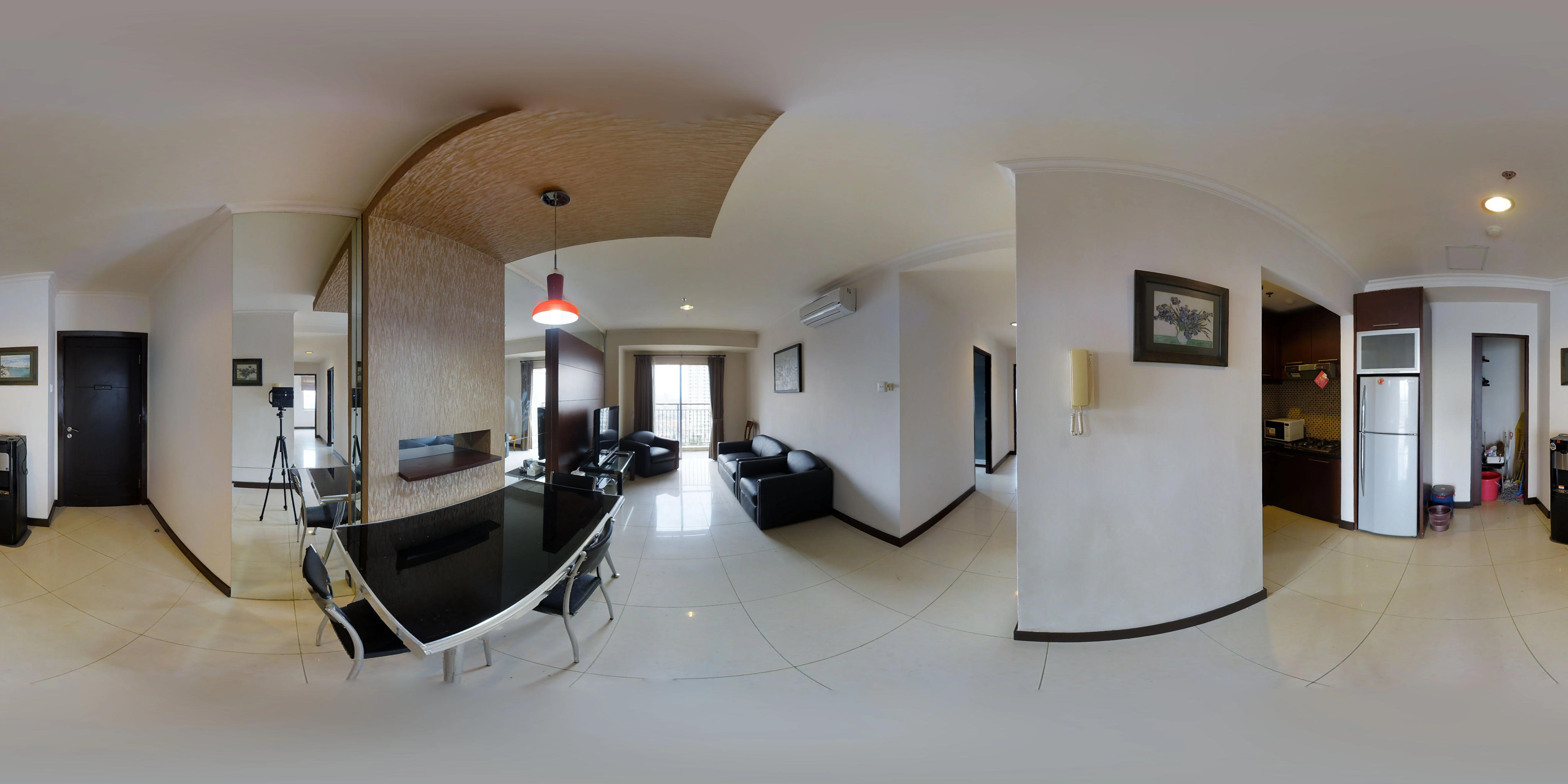 for rent Jakarta Residence - Cosmopolitan living ambience reflected in this large 3 bedroom apartment