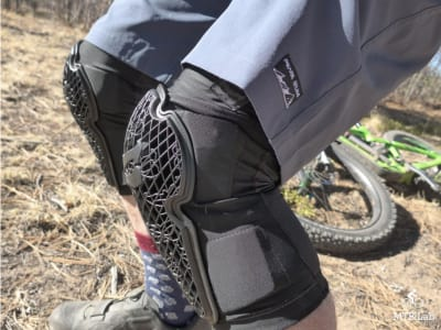 The MTB Lab - Strike Knee Guard Review