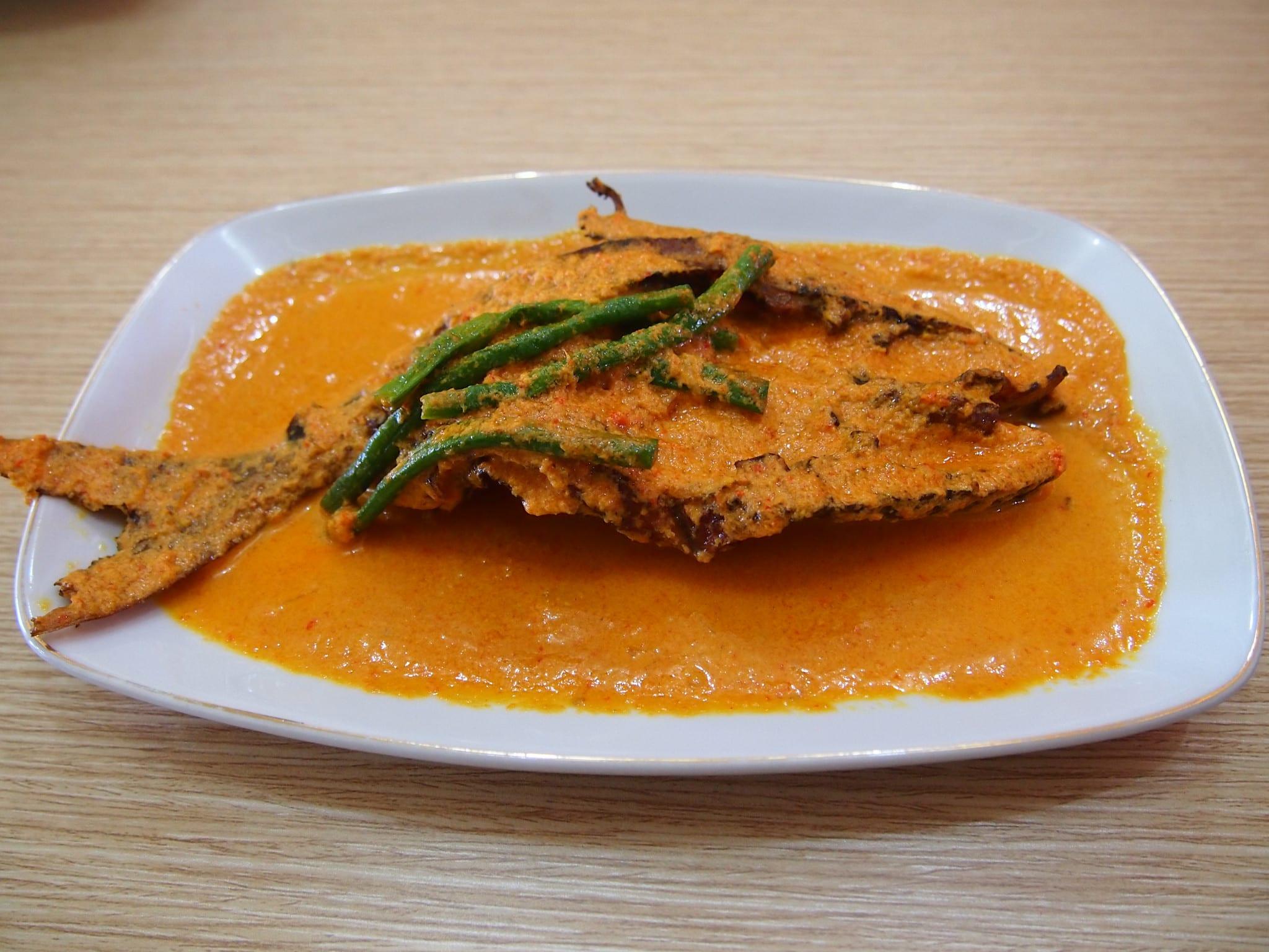 Gulai ikan salai Khas Riau