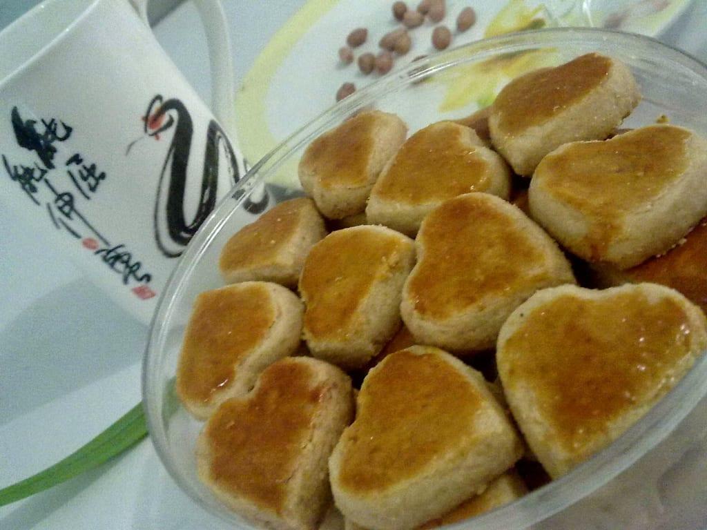 36. kue kering kacang tanah