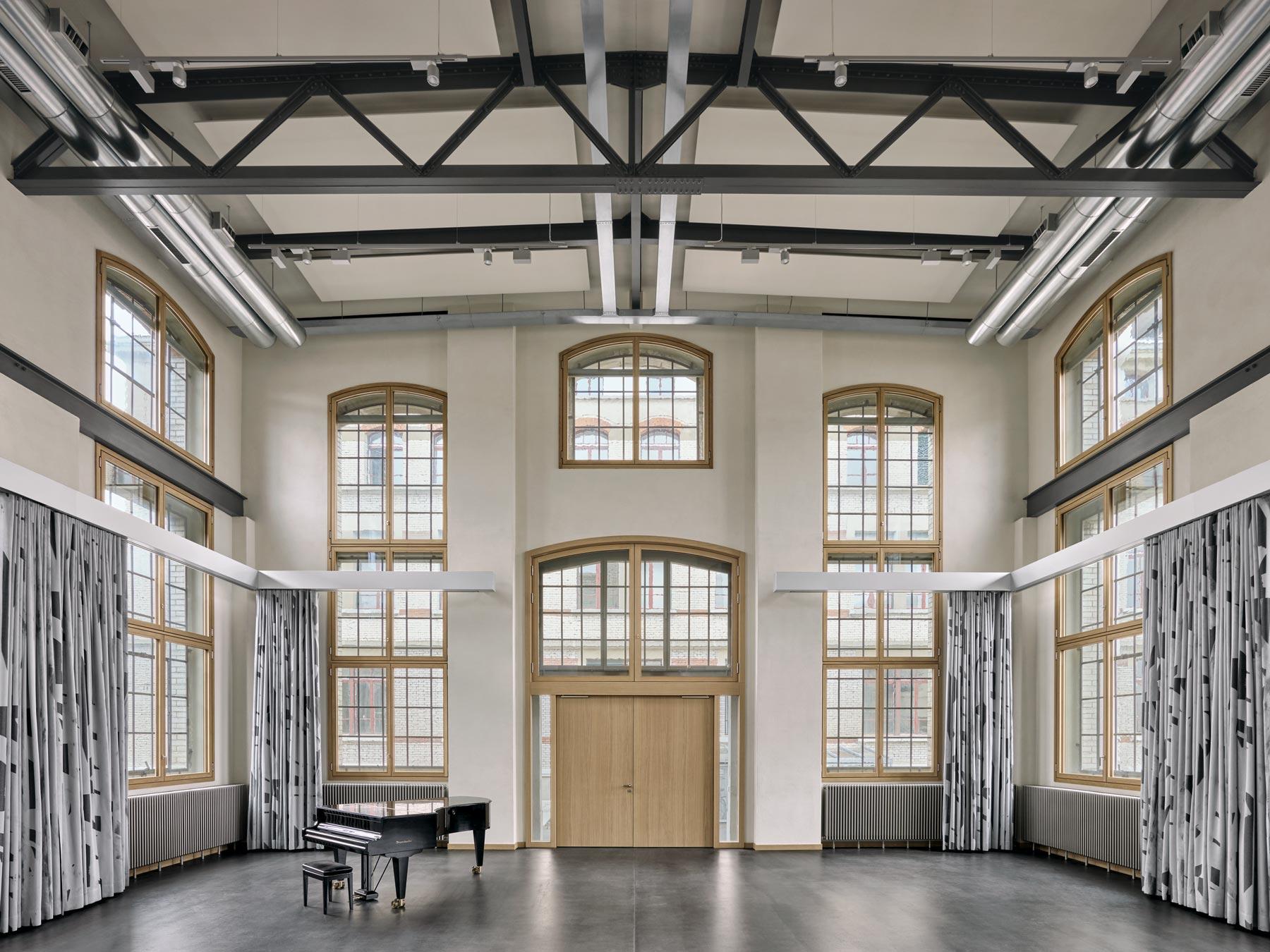 Giuliani Hönger Musikhaus 1