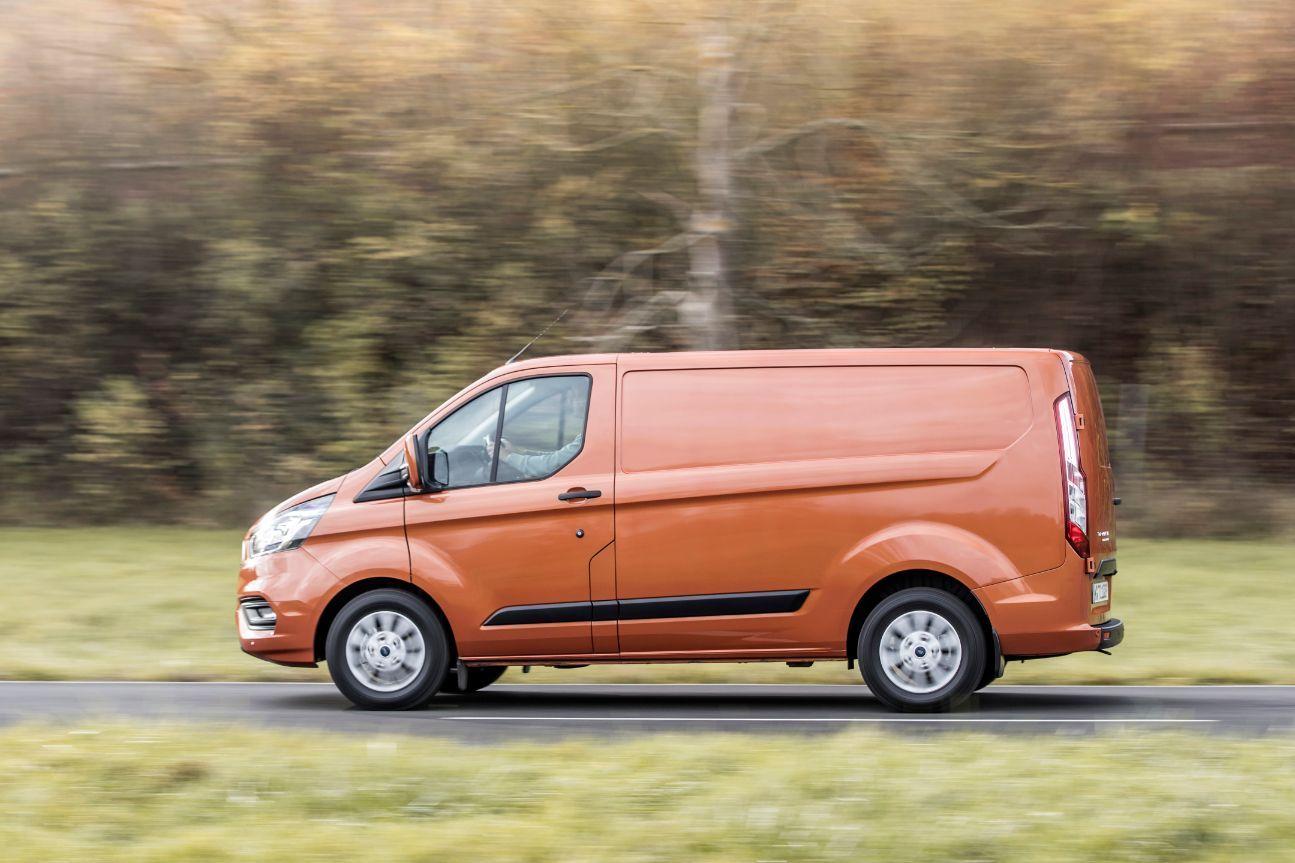 Ford Transit Custom Trend fra siden