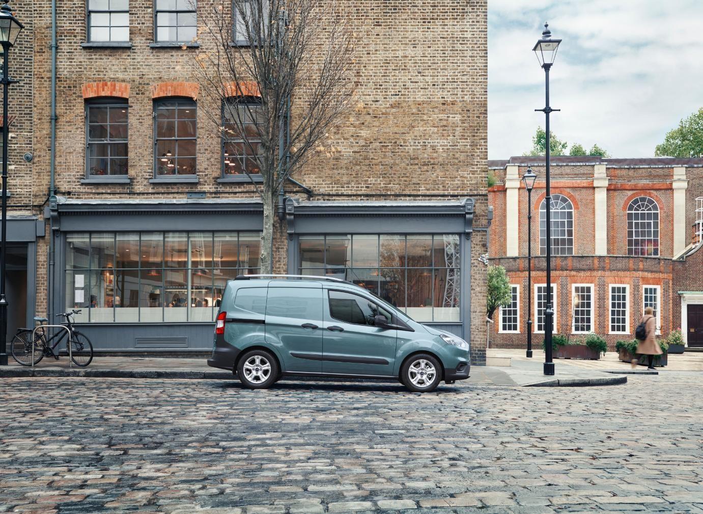 Ford Courier holder parkeret