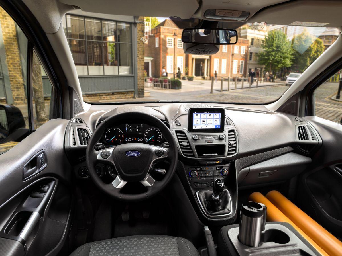 Cockpit i en Ford Transit Connect