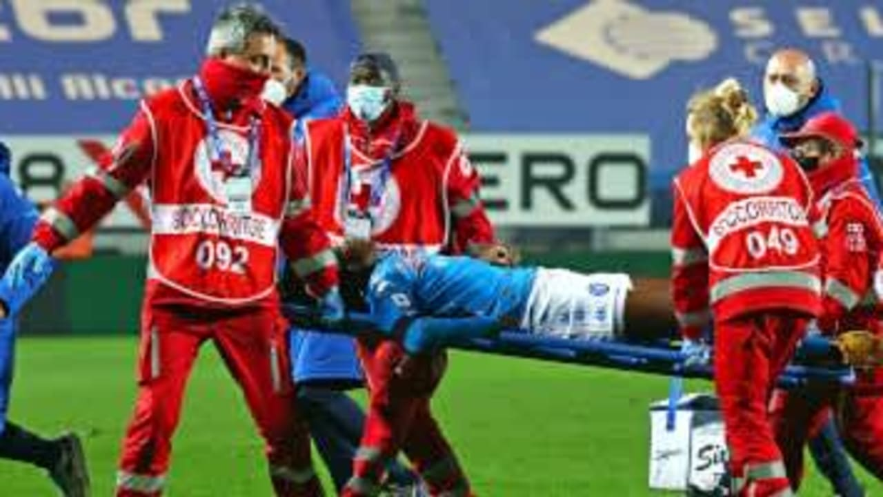 Osimhen collapses, stretchered off against Atalanta