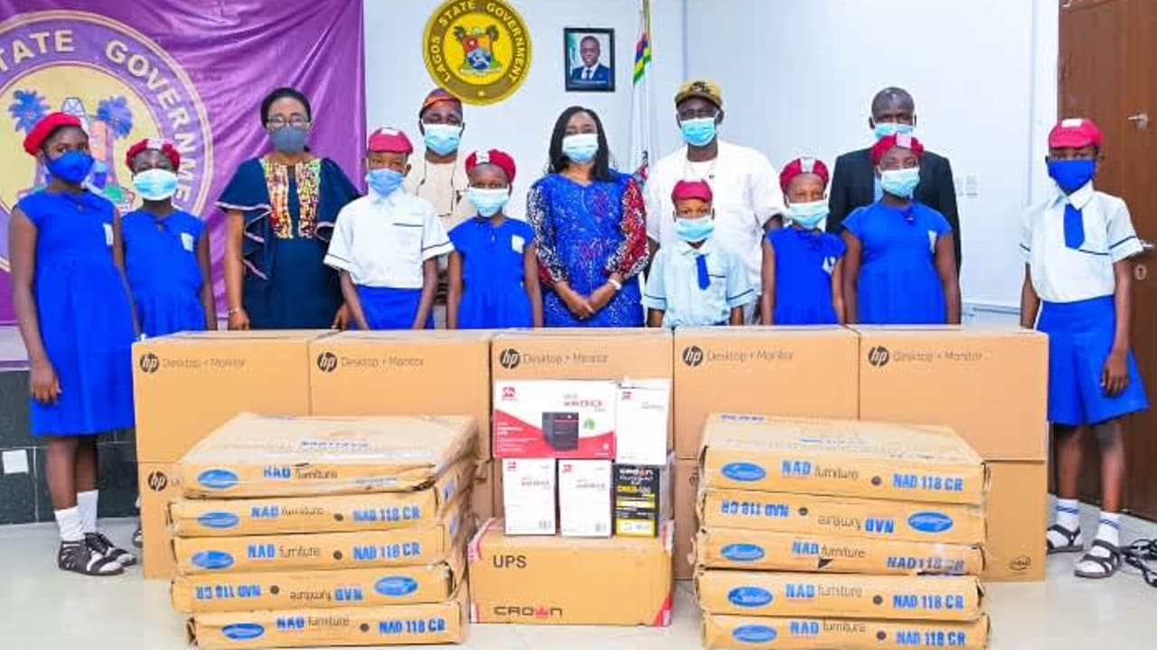 Sanwo-Olu donates computers, other accessories to school