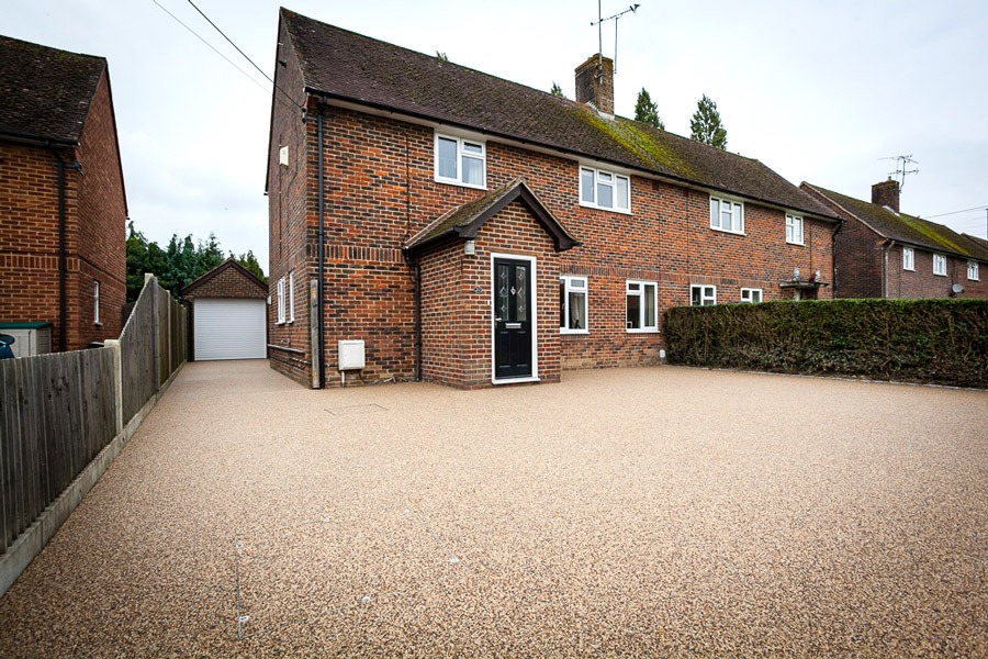 Why Choose Resin Bound For A Driveway!