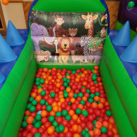 Jungle Ball Pool With Air Jugglers