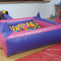 Pink Purple Inflatable Ball Pool 6x6 With Air Jugglers