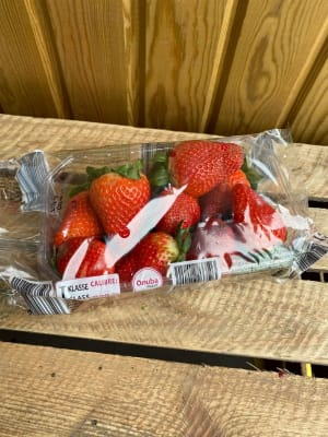 1lb Large Punnet Of Strawberries