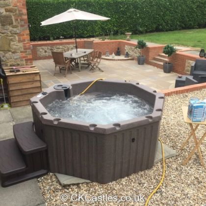 Solid Hot Tub Weekly Hire - Wednesday - Wednesday