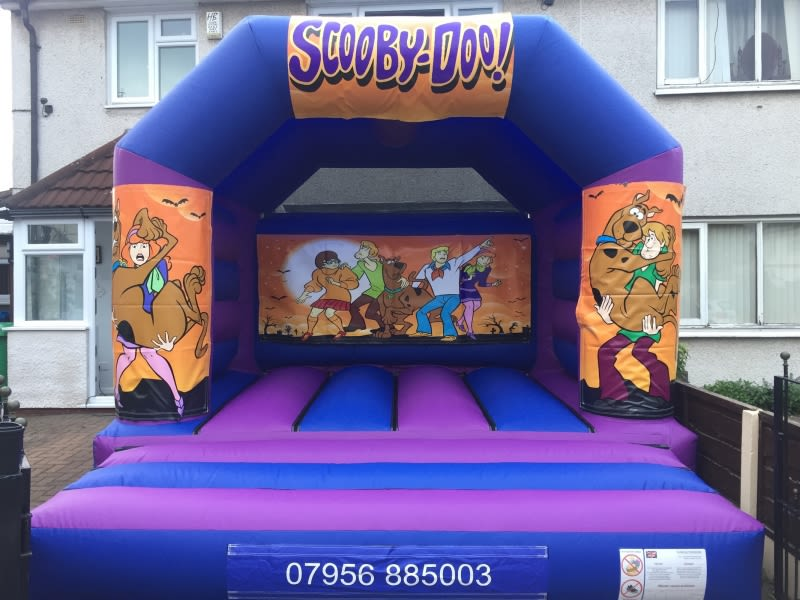 Scooby Doo Bouncy Castle 12 X 14