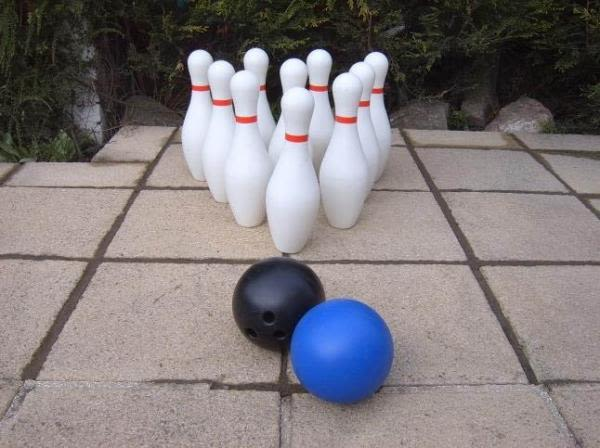 The Giant 10 Pin Bowling
