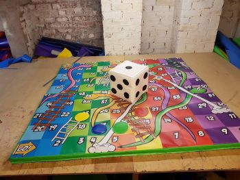 4x4 Snakes & Ladders