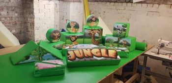 17pc Jungle Soft Play Shape Set & Ball Pool