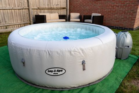 Classic One Week Hot Tub Hire