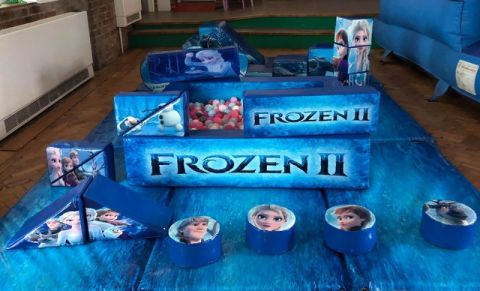 Frozen Theme - Perfect Princess Frozen Fans Soft Play