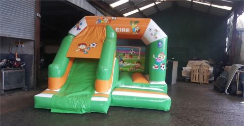 15ft X 12ft Ireland Soccer Bouncy Castle With Slide