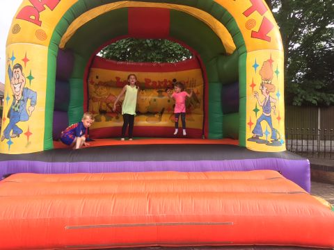 Lets Party Adult Bouncy Castle Bestcastleintown