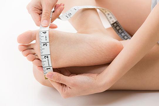 Mesurer la largeur du pied