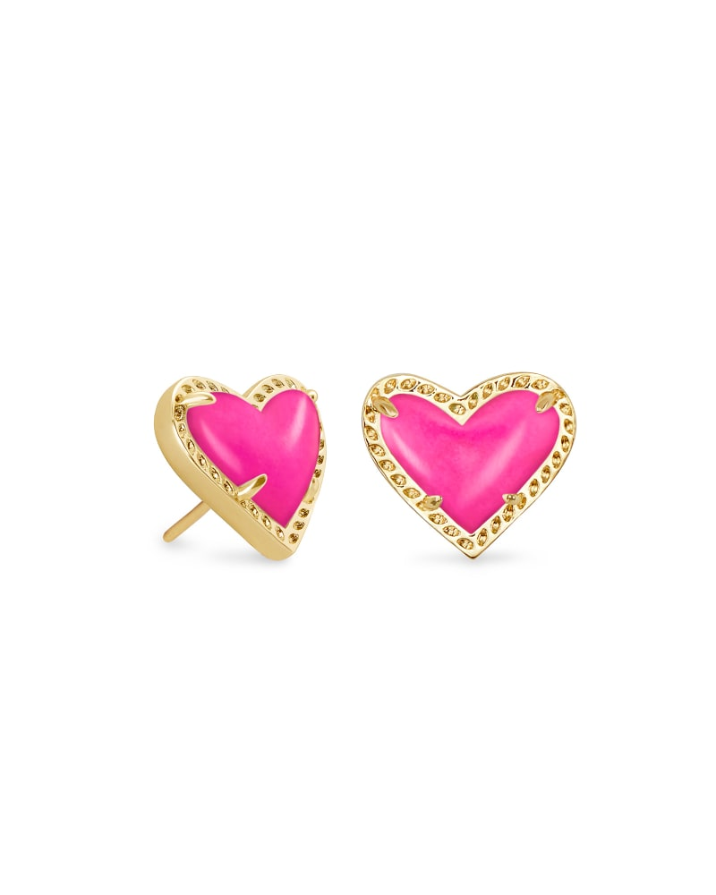 Ari Heart Gold Stud Earrings in Magenta Magnesite | Kendra Scott
