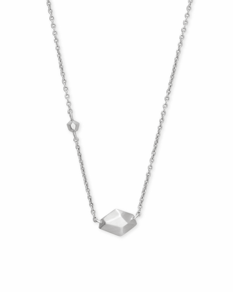 Laureen Pendant Necklace in Silver