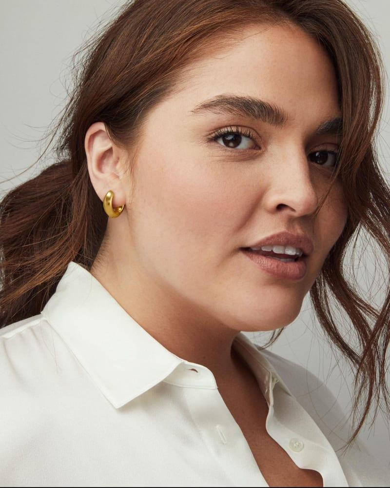 Mikki Huggie Earrings in Vintage Gold