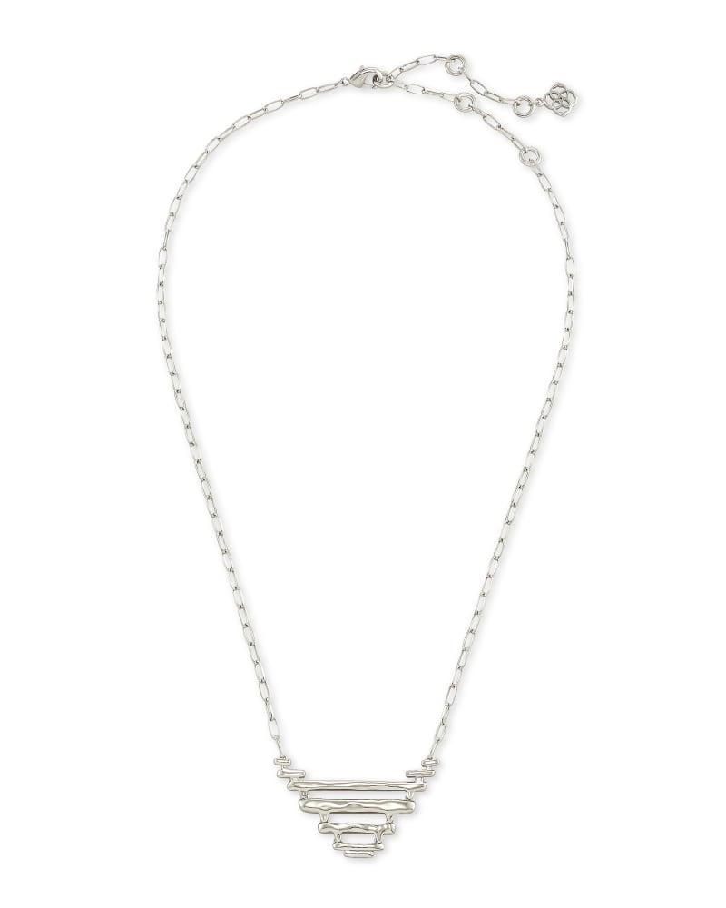 Rylan Pendant Necklace in Silver