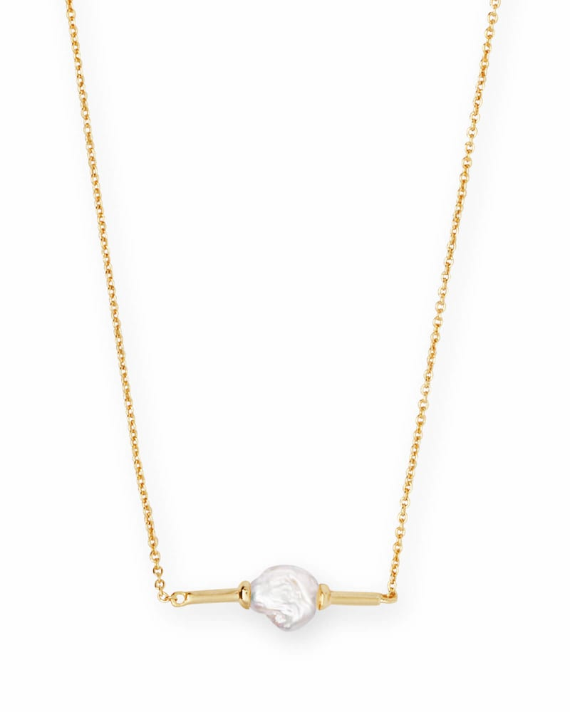 Emberly Pendant Necklace in Pearl