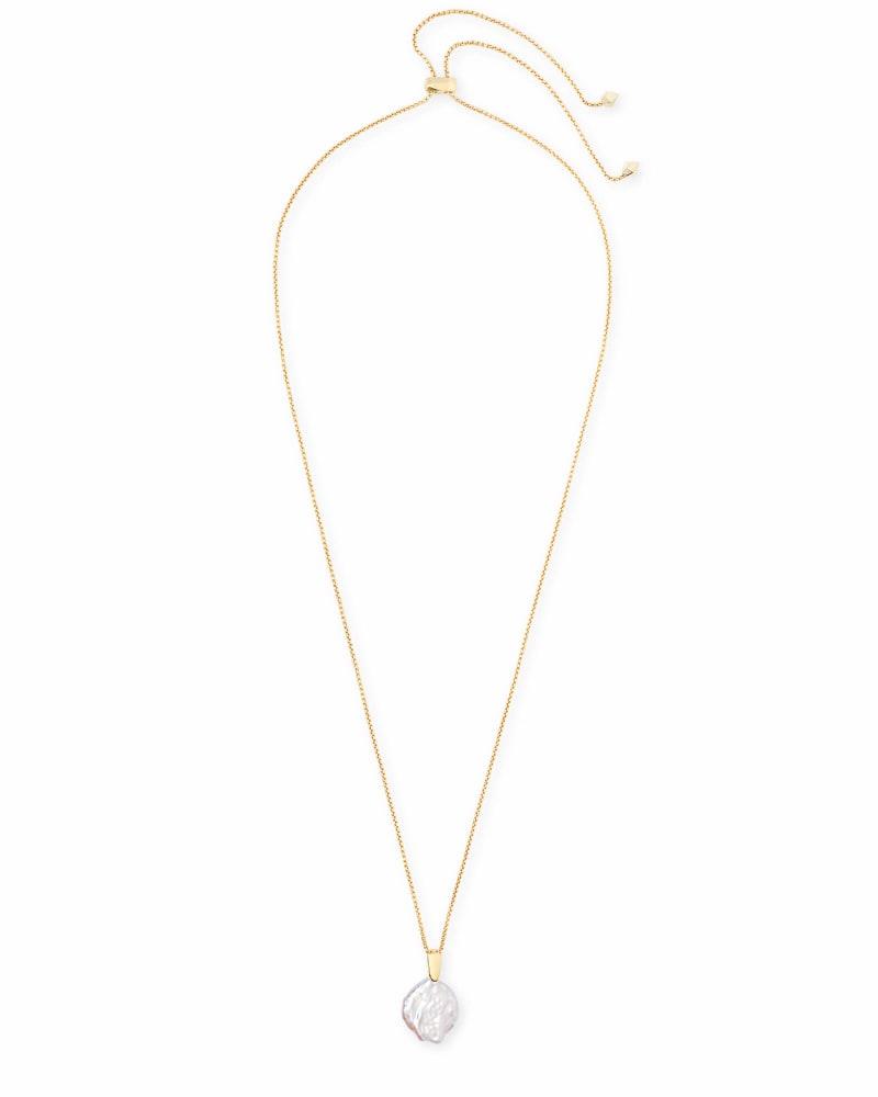 Priscilla Gold Pendant Necklace in Pearl