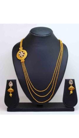 Gold Kundan And Gold Finishing Jewellery