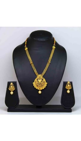 Gold Pearl And Gold Finishing Jewellery