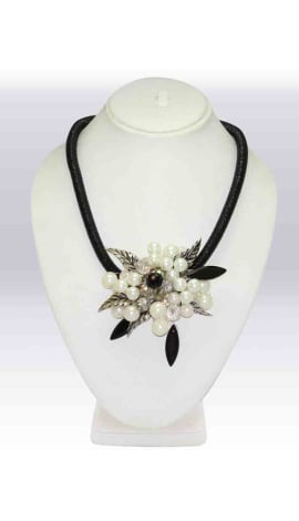 White & Black Beeds And Stone Jewellery