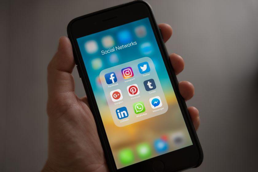 شبکههای اجتماعی مختلف از جمله اینستاگرام