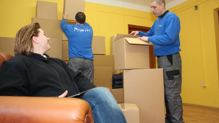 Lakások, családi házak költöztetése