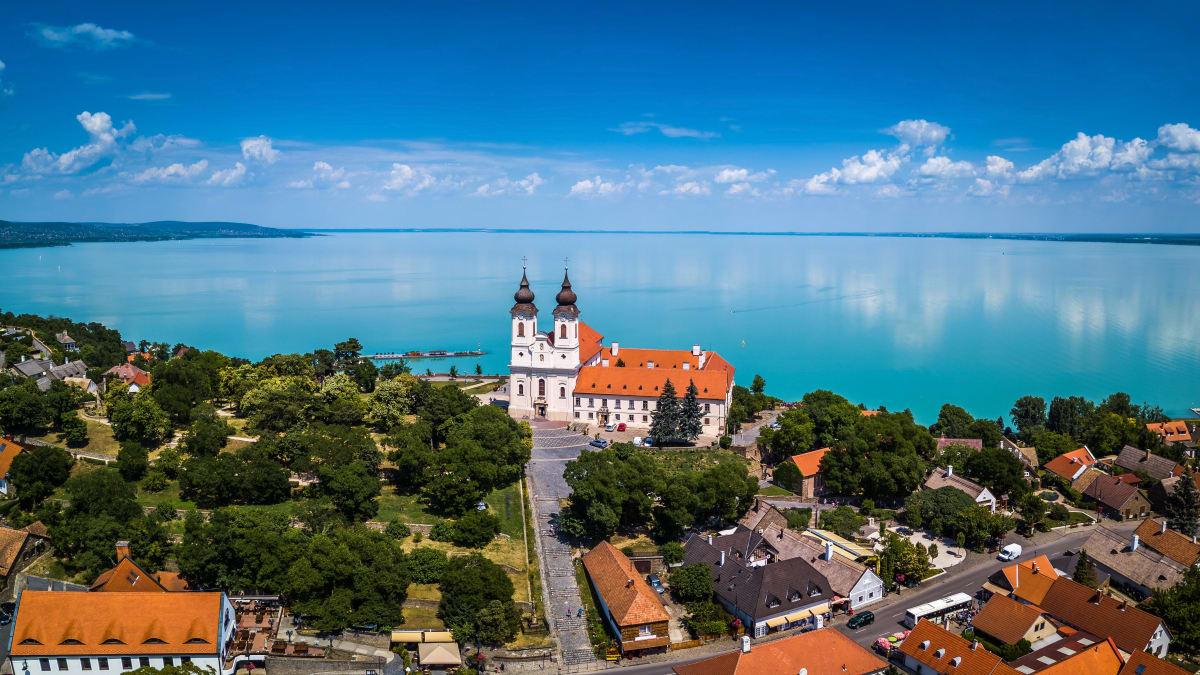 Pakej Percutian ke Hungary Bersama Tripfez