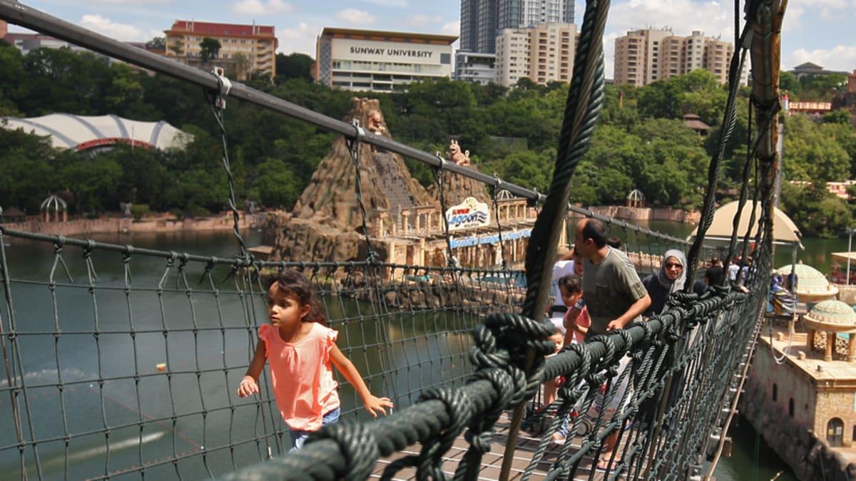 Enjoy Sunway Lagoon Themepark With Tripfez