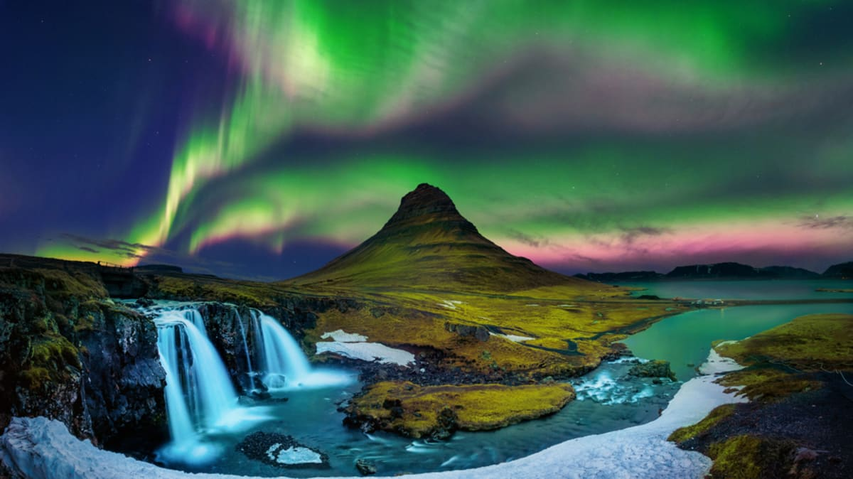 Mesmerizing Land of Northern Light - Winter With Tripfez
