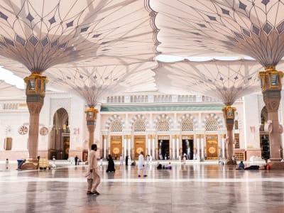 Atmospere around of Al-Masjid al-Nabawi