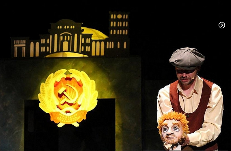 12-marta-na-scene-bobruiskogo-teatra-vsego-odin-pokaz-spektaklya-na-kotoryi-stoit-skhodit-2