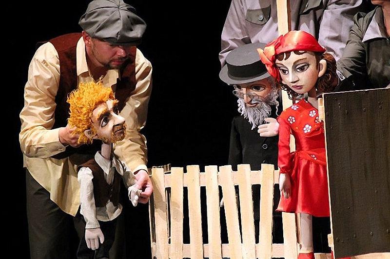 12-marta-na-scene-bobruiskogo-teatra-vsego-odin-pokaz-spektaklya-na-kotoryi-stoit-skhodit-3