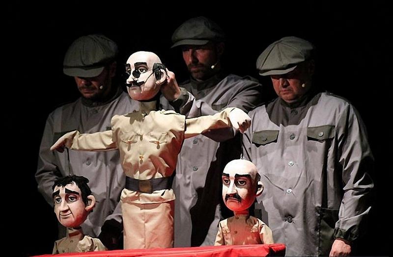 12-marta-na-scene-bobruiskogo-teatra-vsego-odin-pokaz-spektaklya-na-kotoryi-stoit-skhodit-4