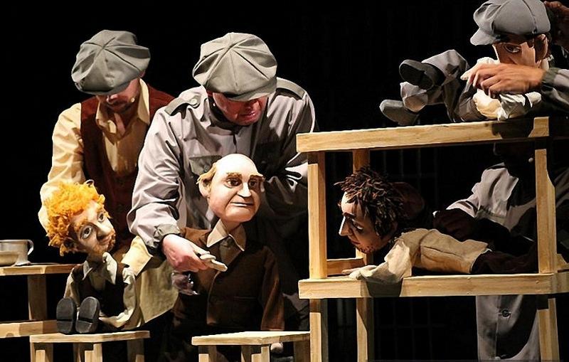 12-marta-na-scene-bobruiskogo-teatra-vsego-odin-pokaz-spektaklya-na-kotoryi-stoit-skhodit-5