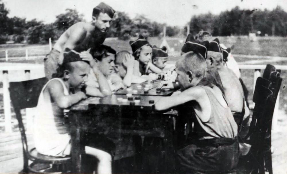 v-1929-godu-bobruiskie-pionery-prinyali-uchastie-v-1-m-vsesoyuznom-pionerskom-slyote-1