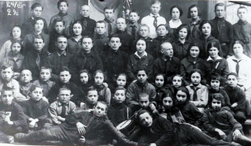 v-1929-godu-bobruiskie-pionery-prinyali-uchastie-v-1-m-vsesoyuznom-pionerskom-slyote-3